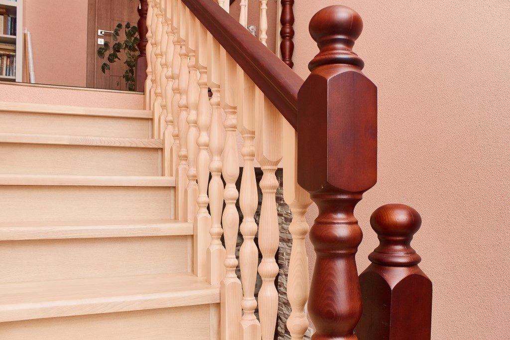 Строительство деревянных лестниц в доме