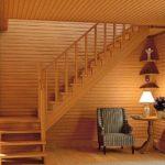 Лестницы второго этажа дачи